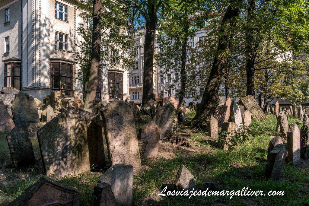 Stary zidovsky hrbitov - Antiguo cementerio judío de Praga - Old jewish cementery - Los viajes de Margalliver