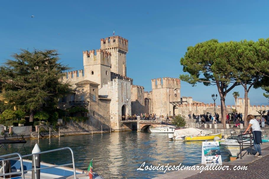 Castillo Rocca Scaligera de Sirmione , uno de los castillos más bonitos de Europa - Los viajes de Margalliver