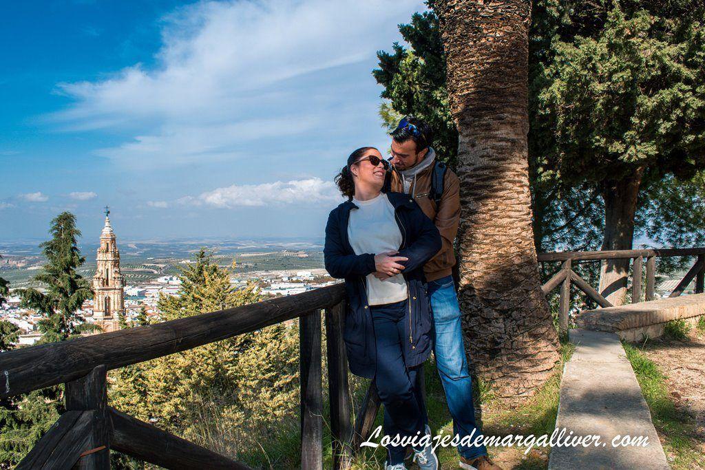 Los Margallivers enamorados en el Balcón de Andalucía en Estepa - Los viajes de Margalliver