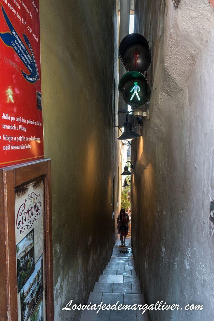 La calle más estrecha del mundo se encuentra en Praga - Los viajes de Margalliver