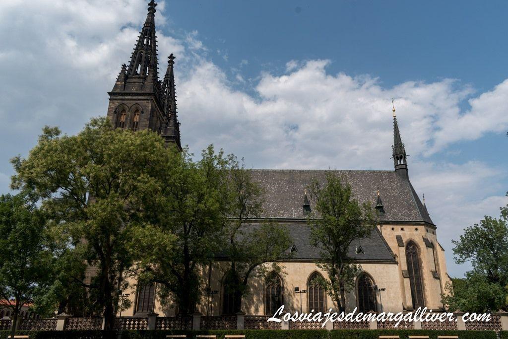 Iglesia de San Pedro y San Pablo en Vysehrad 21 cosas que ver en praga - Los viajes de Margalliver