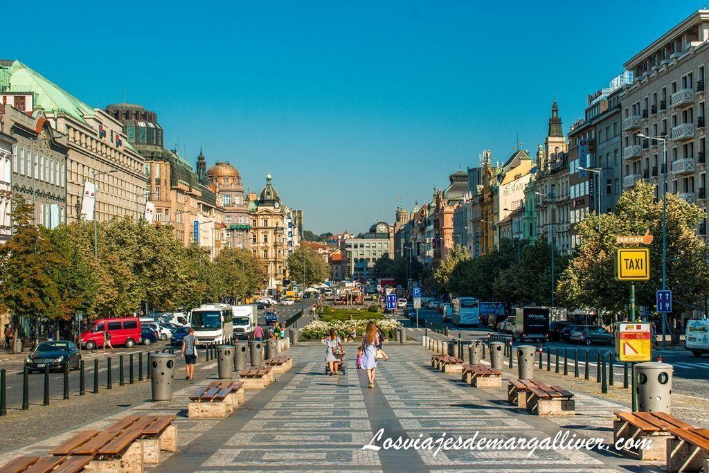 Plaza Wenceslao en Praga, que hacer en Praga - Los viajes de margalliver