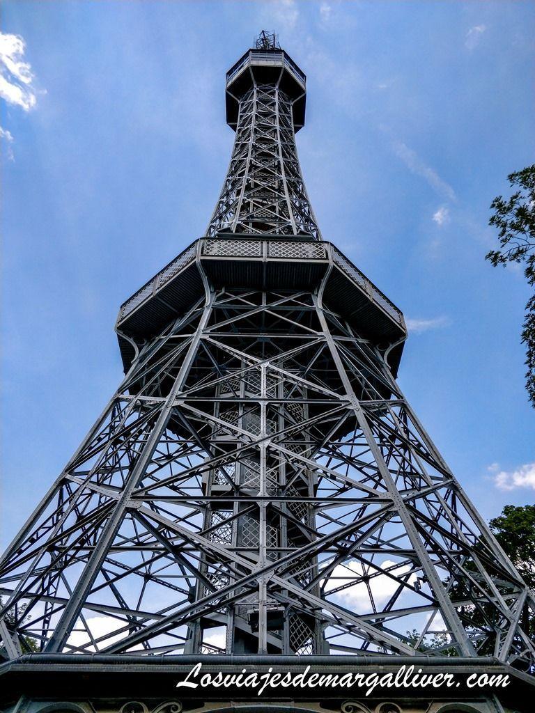 Torre Petrin, inspirada en la Torre Eiffel, que ver en Praga - Los viajes de Margalliver