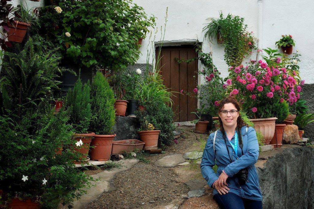 Margalliver en Almócita con un bonito jardín, ruta por Almería - Los viajes de Margalliver
