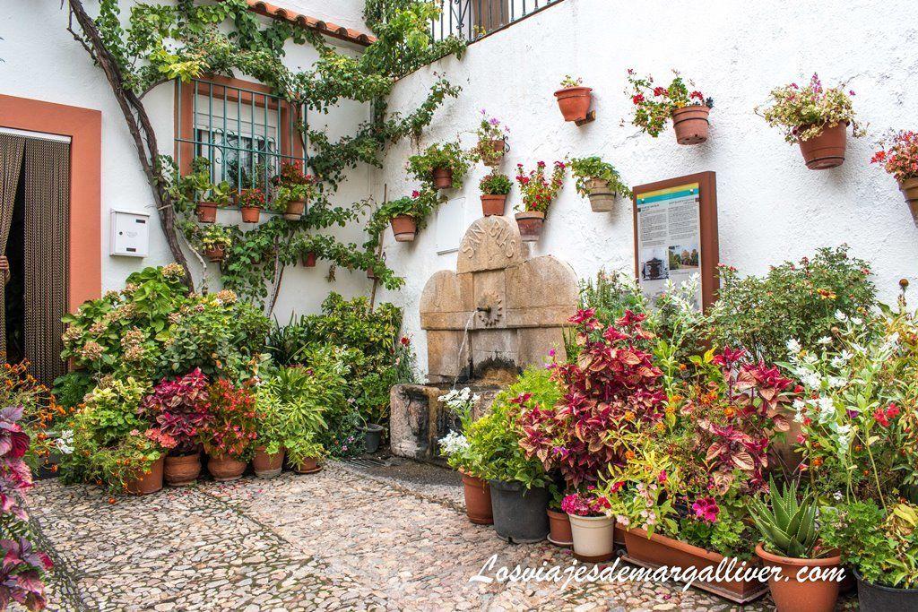 Pilar de San Blas en Laujar de Andarax , ruta por Almeria - Los viajes de Margalliver