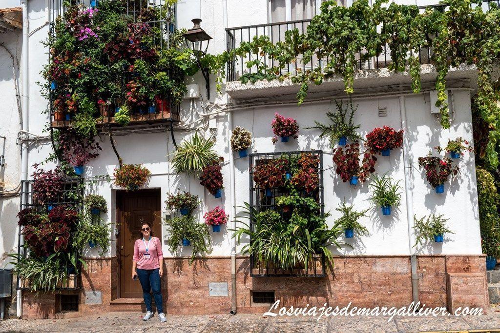 preciosa fachada en Almócita en la provincia de Almería - Los viajes de Margalliver