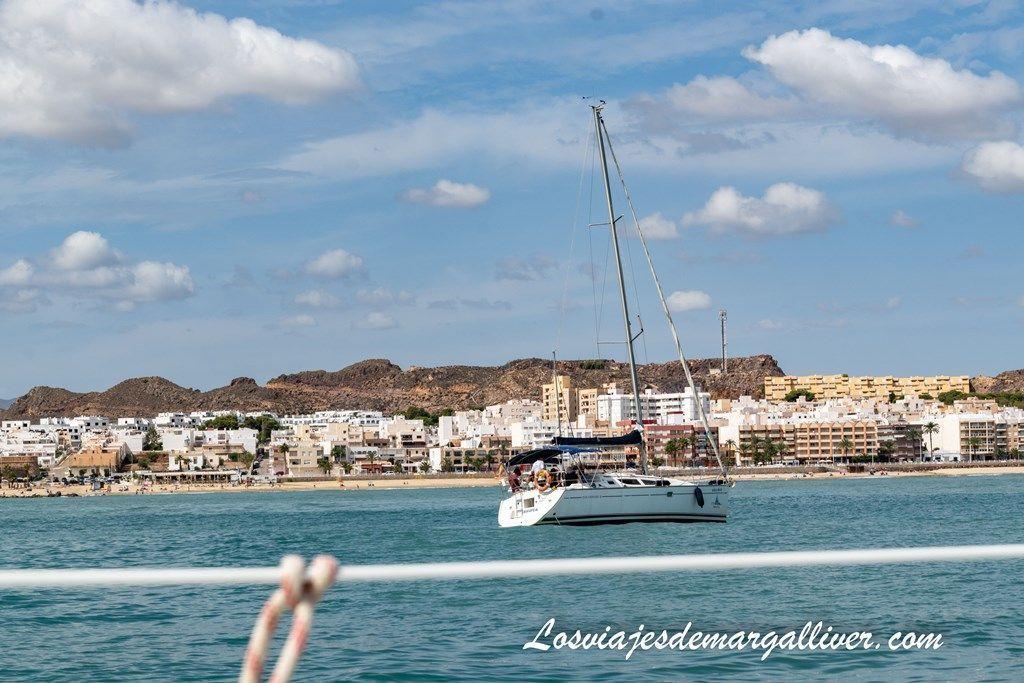 Surcando la costa de Almería en nuestro velero, pueblos de Almería - Los viajes de Margalliver