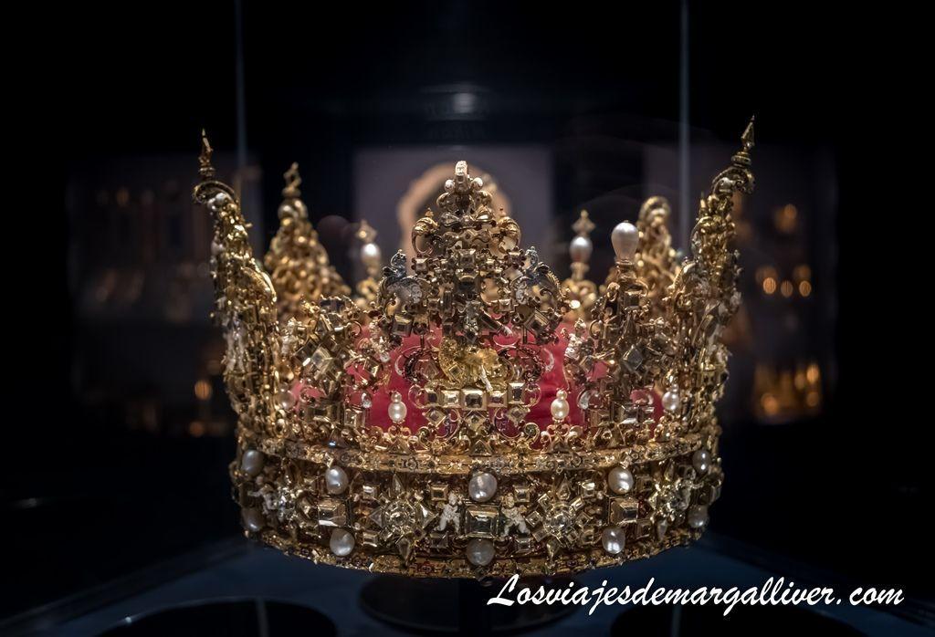 corona de Cristian IV en el palacio de Rosenborg en Copenhague - Los viajes de Margalliver