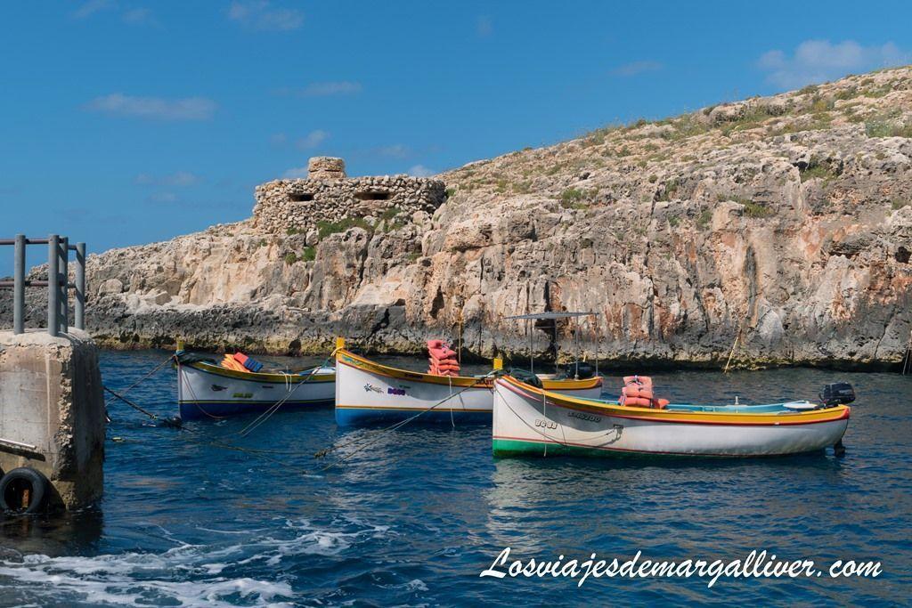 Barcas en el puerto de Wied-iz-Zurrieq en Malta - Los viajes de Margalliver