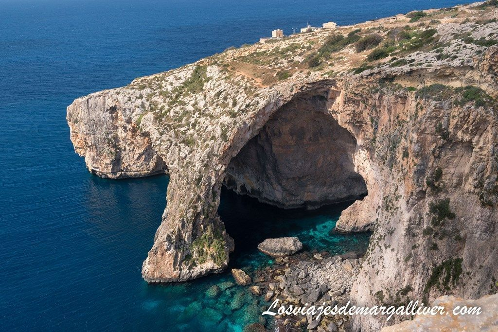 Vistas de la Blue Grotto o Cueva Azul desde el mirador - Los viajes de Margalliver