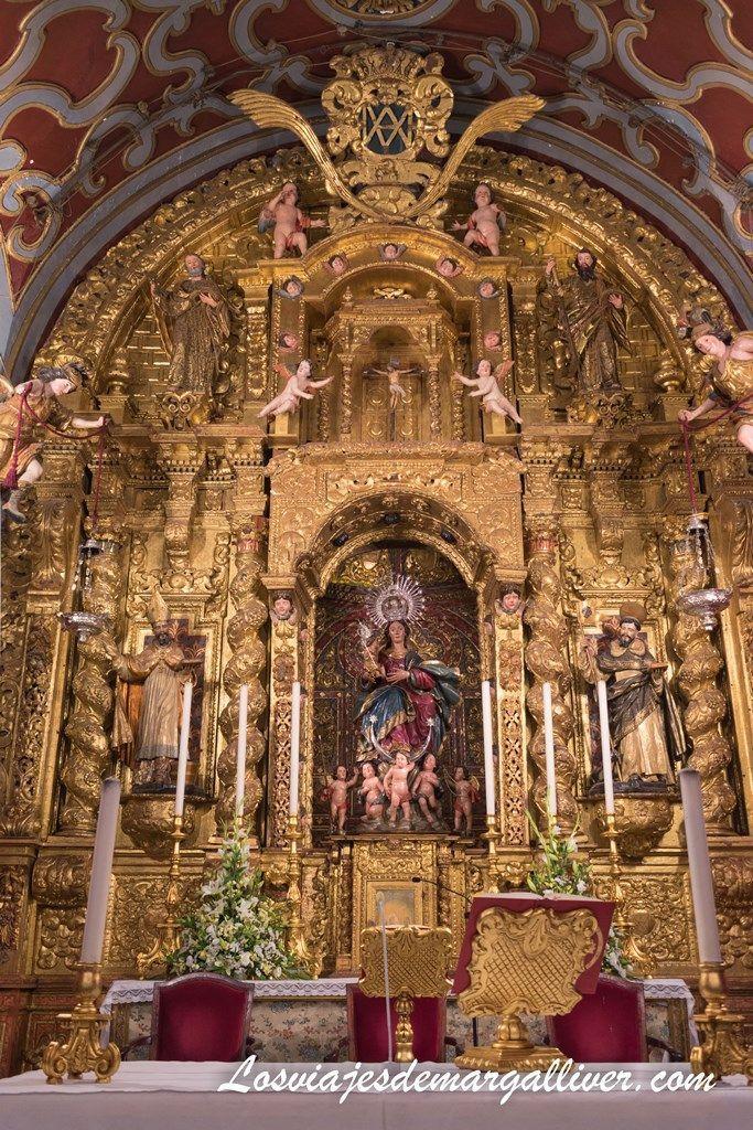Altar Mayor con la virgen de las nieves en la colegiata de Olivares - Los viajes de Margalliver