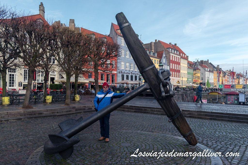 Ancla Mindeankeret en homenaje a los marinos daneses caídos en la II Guerra Mundial- Los viajes de Margalliver