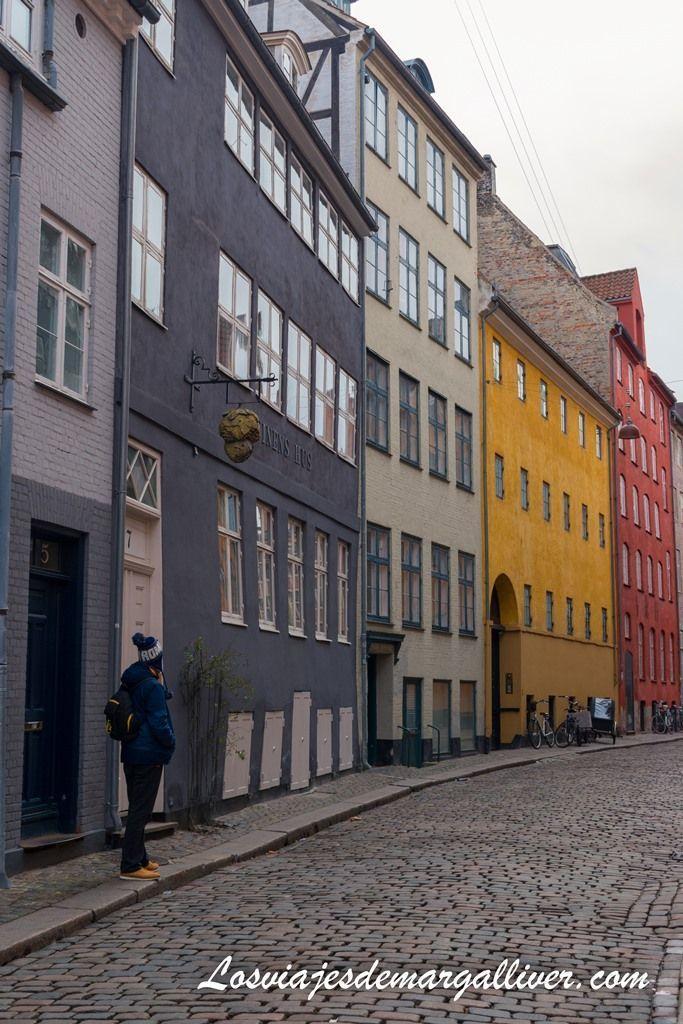 casas de colores en la calle Magstræde, Copenhague - Los viajes de Margalliver