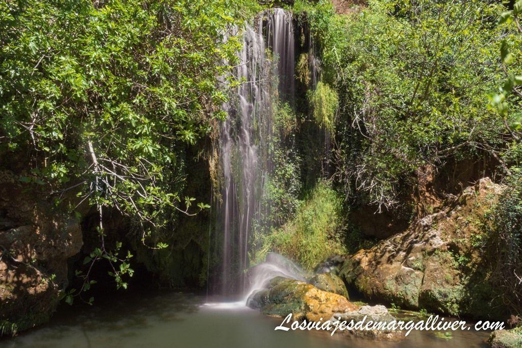 Esta cascada más pequeñita, esta situada a varios metros más abajo que la principal, Río Huéznar en Sevilla - Los viajes de Margalliver