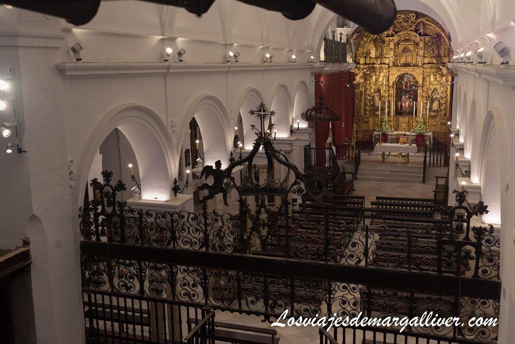 Colegiata de nuestra señora de las nieves vista desde su órgano en la ruta por el aljarafe en Sevilla - Los viajes de margalliver