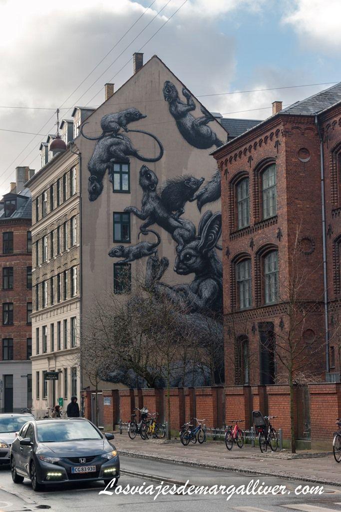 Uno de los murales en el barrio de Vesterbro en Copenhague - Los viajes de Margalliver