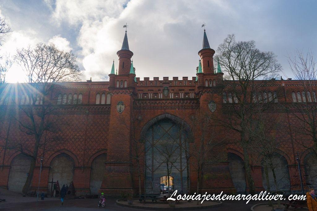 muralla del campo de tiro en Vesterbro, Copenhague - Los viajes de Margalliver