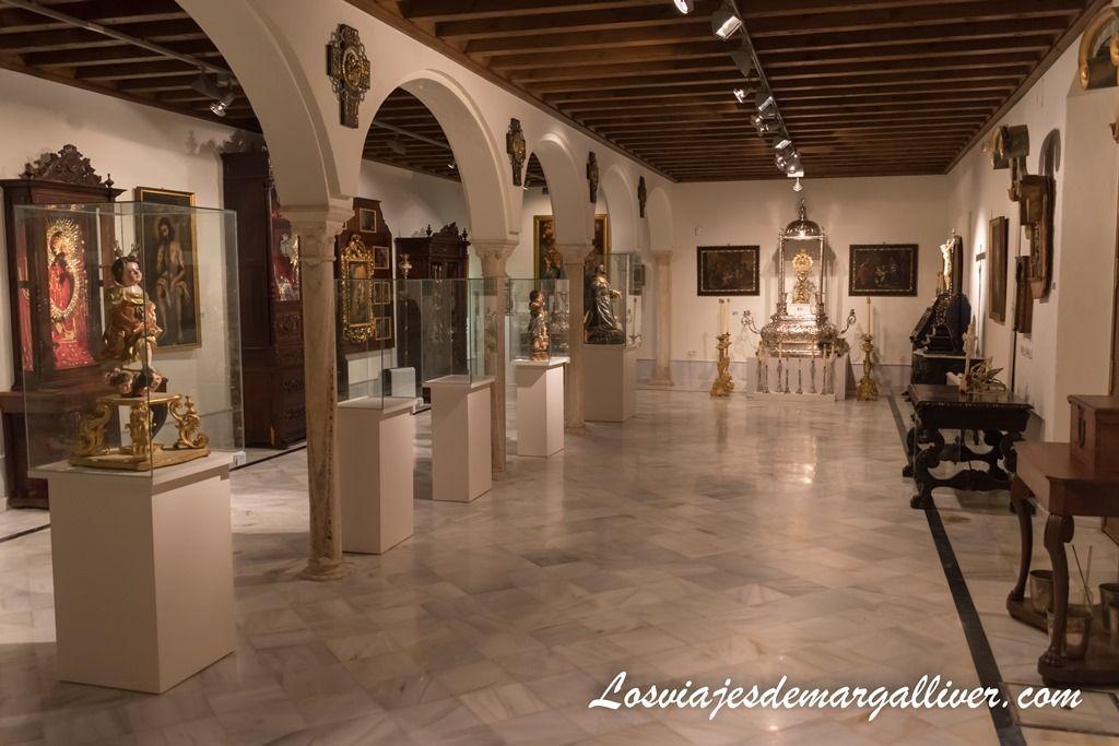 Sala de exposiciones del monasterio de Loreto, en la comarca del Aljarafe sevillano - Los viajes de margalliver