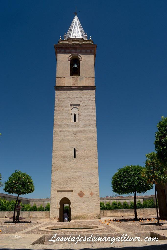 Antiguo alminar árabe de la iglesia de San Pedro en Sanlúcar la Mayor - Los viajes de Margalliver