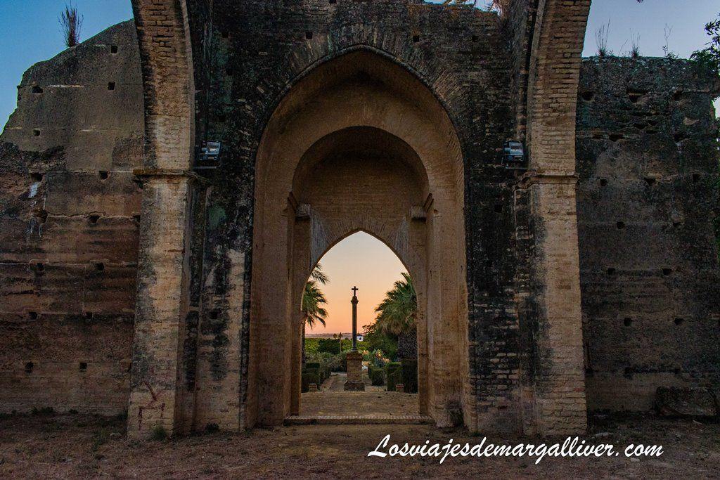 Interior de la Ermita de Talhara en Benacazón - Los Viajes de Margalliver