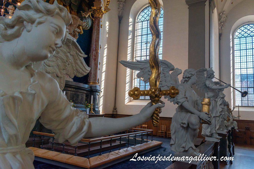 Interior de la iglesia de san Salvador en Copenhague - Los viajes de Margalliver