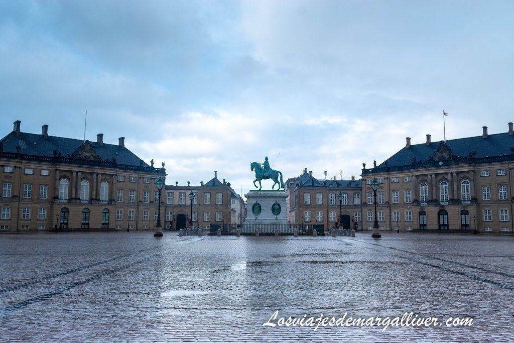 Palacio de Amalienborg en Copenhague - Los viajes de Margalliver