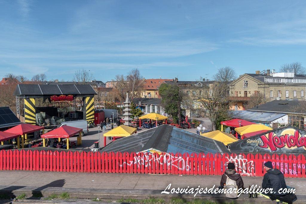 vista panorámica de la plaza principal de Cristiania - Los viajes de Margalliver