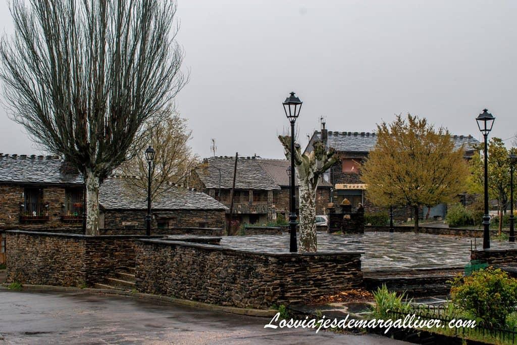 plaza principal de Majalrayo - Los viajes de Margalliver