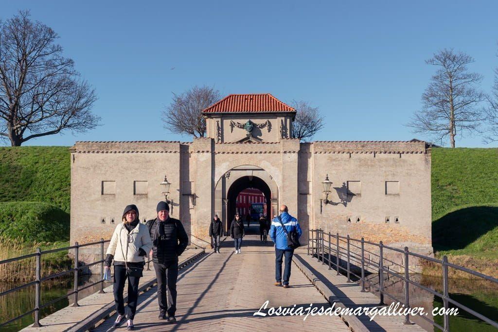 Puerta de entrada al Kastellet en Copenhague - Los viajes de Margalliver