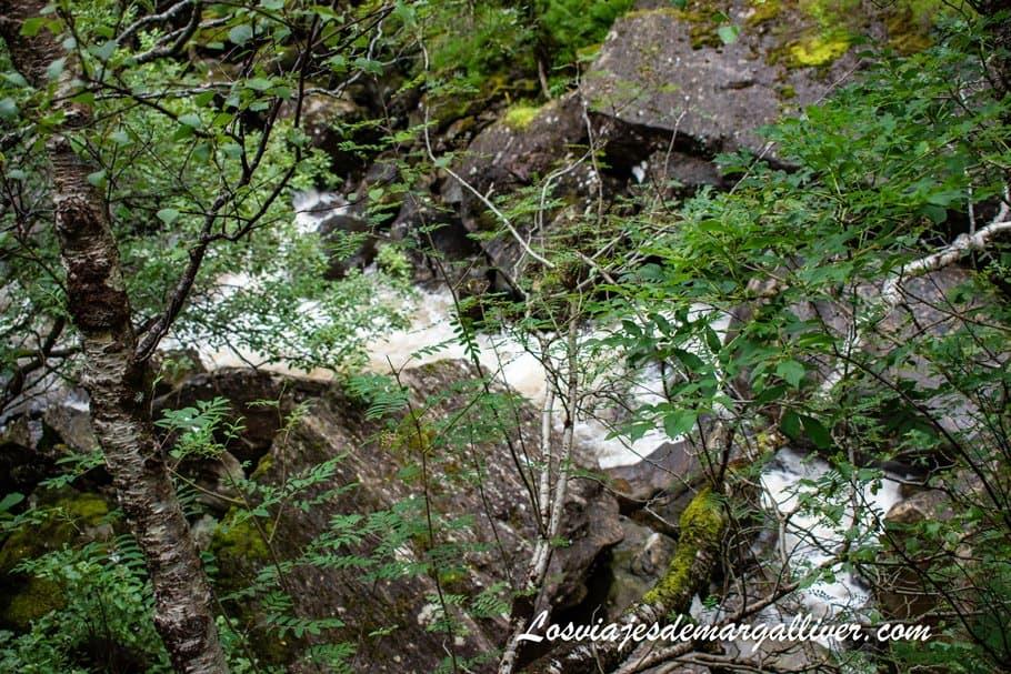 Trekking en Steall Waterfalls en Escocia - Los viajes de Margalliver