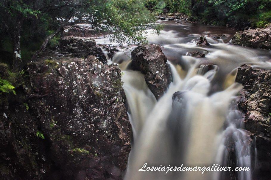 Lower Falls in Glen Nevis - Escocia - Los viajes de Margalliver