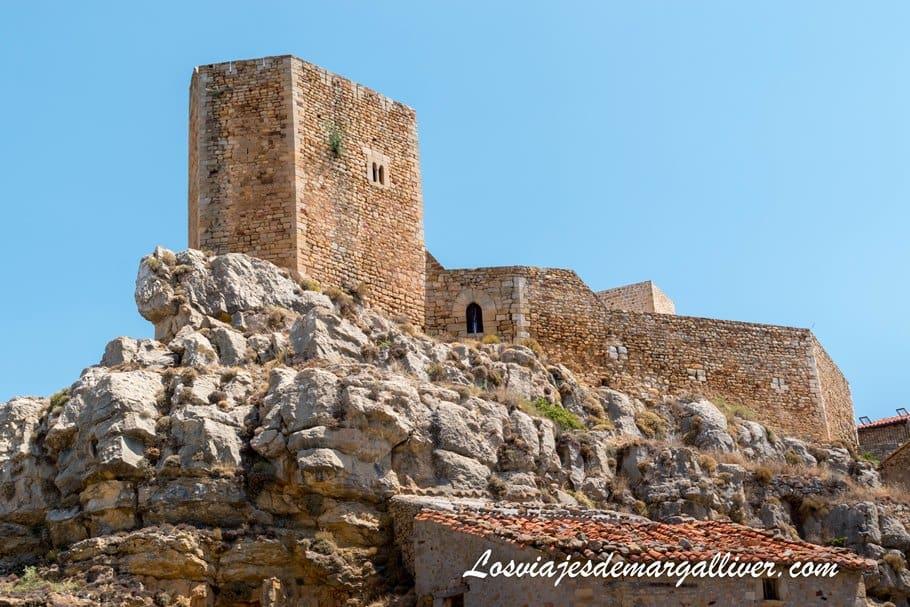 Castillo de puertomingalvo, en la provincia de Teruel - Los viajes de Margalliver