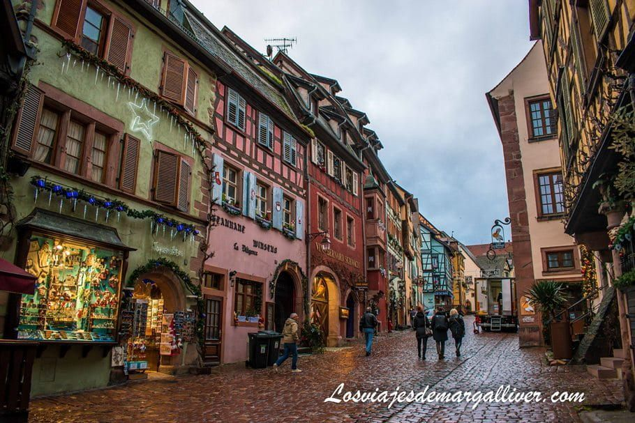 Rue General de Gaulle en Riquewihr en Alsacia - Los viajes de Margalliver