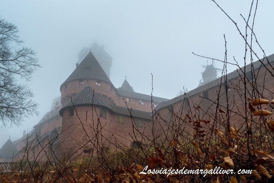 Niebla en el castillo de Haut-Koenigsbourg en la Alsacia - Los viajes de Margalliver