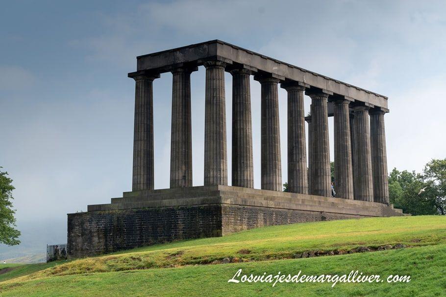 Monumento nacional en Calton Hill , 10 cosas que ver y hacer en Edimburgo - Los viajes de Margalliver