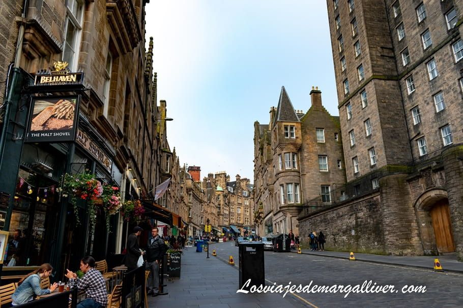Cockburn St en Edimburgo - Los viajes de Margalliver