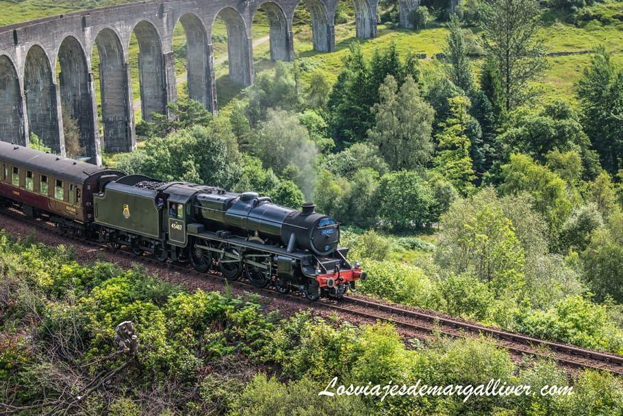 El expreso de Hogwarts en el viaducto de Glenfinnan en Escocia - Los viajes de Margalliver