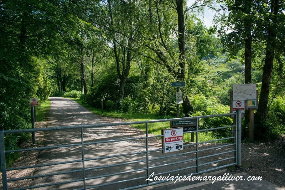 Entrada al viaducto de Glenfinnan en Escocia - Los viajes de Margalliver
