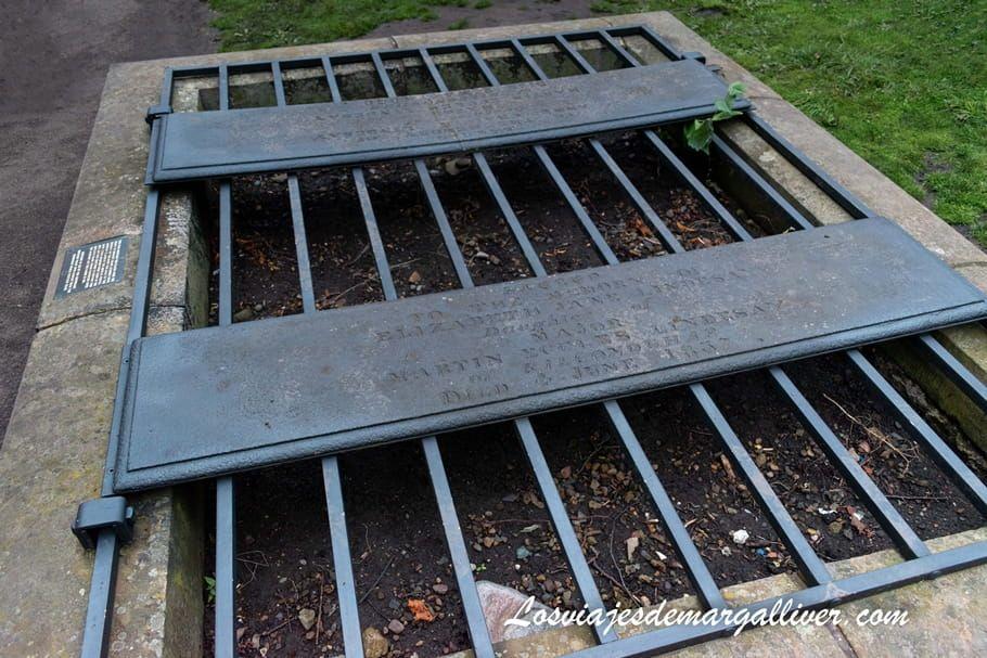 Mortsafe para evitar a los saqueadores de tumbas en el Tour de Fantasmas de Edimburgo - Los viajes de Margalliver