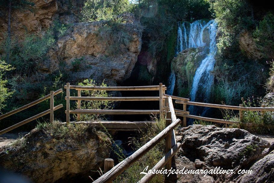 Pasarela Cascada Batida en Calomarde - Ruta Barranco de la Hoz en Teruel - Los viajes de Margalliver