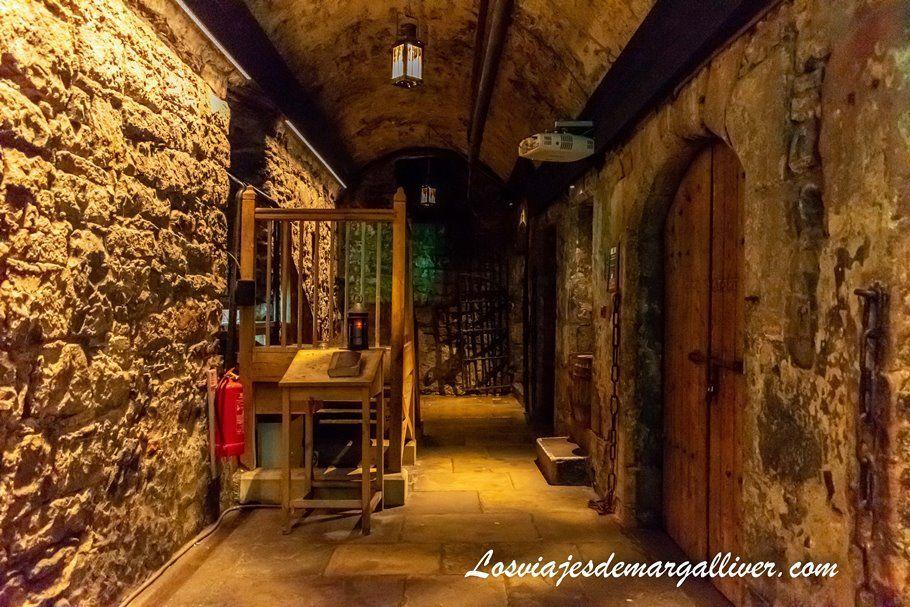Prisión del castillo de Edimburgo - Los viajes de Margalliver