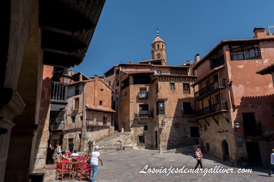 Plaza mayor de Albarracín en la provincia de Teruel - Los viajes de Margalliver