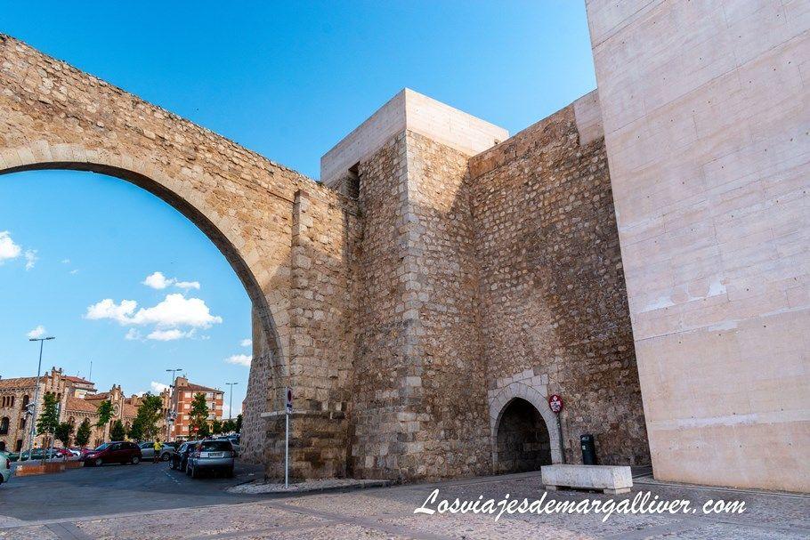 Puerta de San Miguel o puerta de la Traición en Teruel - Los viajes de Margalliver