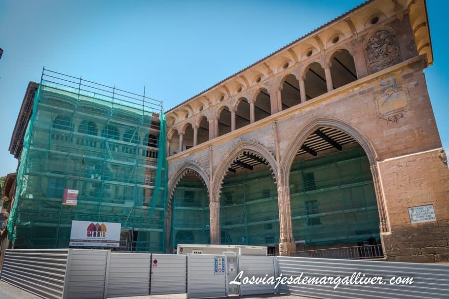 Casa consistorial y Lonja de Alcañiz - Los viajes de Margalliver