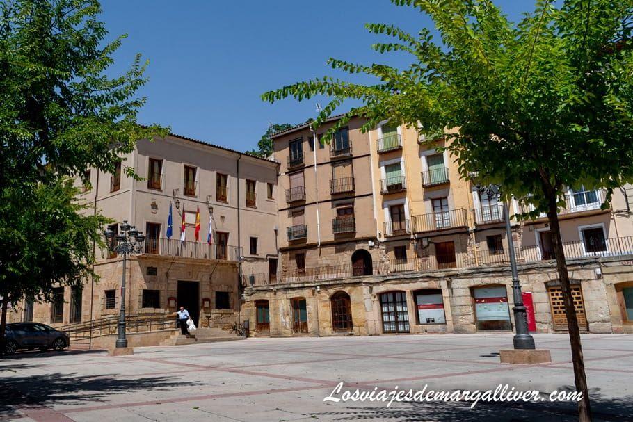 Plaza de España en Molina de Aragón - Los viajes de Margalliver