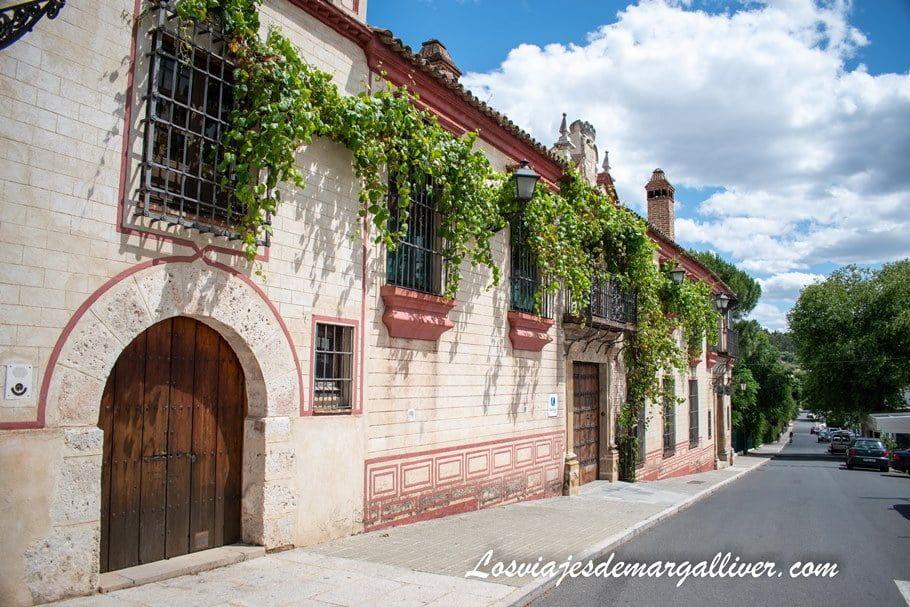Iglesia y palacio de San Benito, qué ver en Cazalla de la Sierra - Los viajes de Margalliver