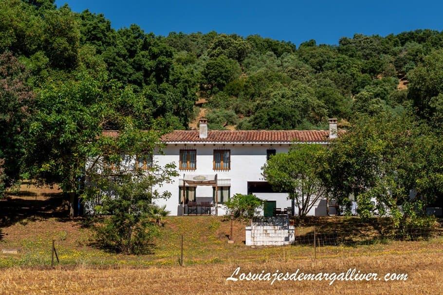 Alojamiento rural Los Riscos Altos en Cazalla de la Sierra - Los viajes de Margalliver