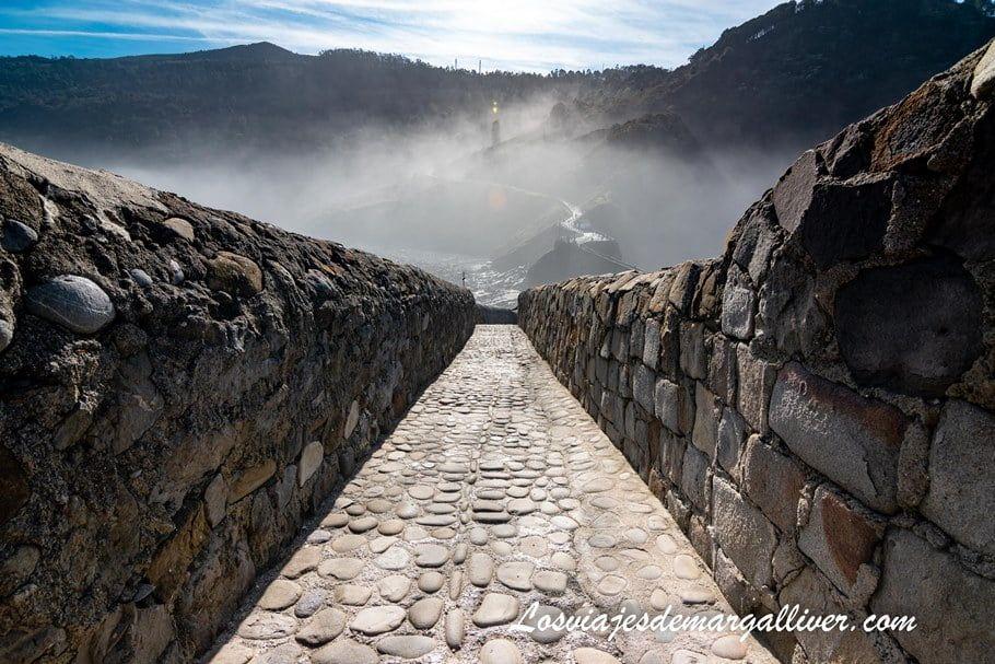 recorriendo el camino hasta la ermita de San Juan de Gaztelugatxe - Los viajes de Margalliver
