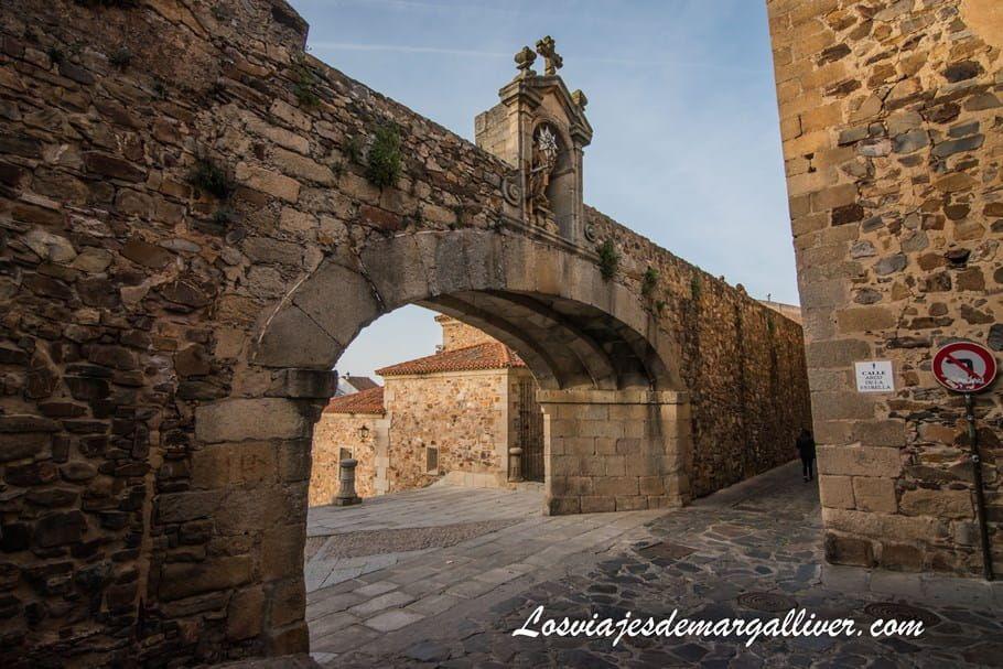 Arco de la Estrella - Qué ver en Cáceres