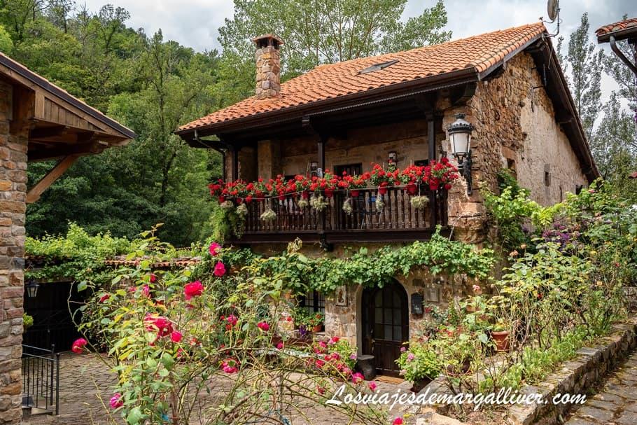 Bárcena Mayor , uno de los pueblos más bonitos de Cantabria - Los viajes de Margalliver